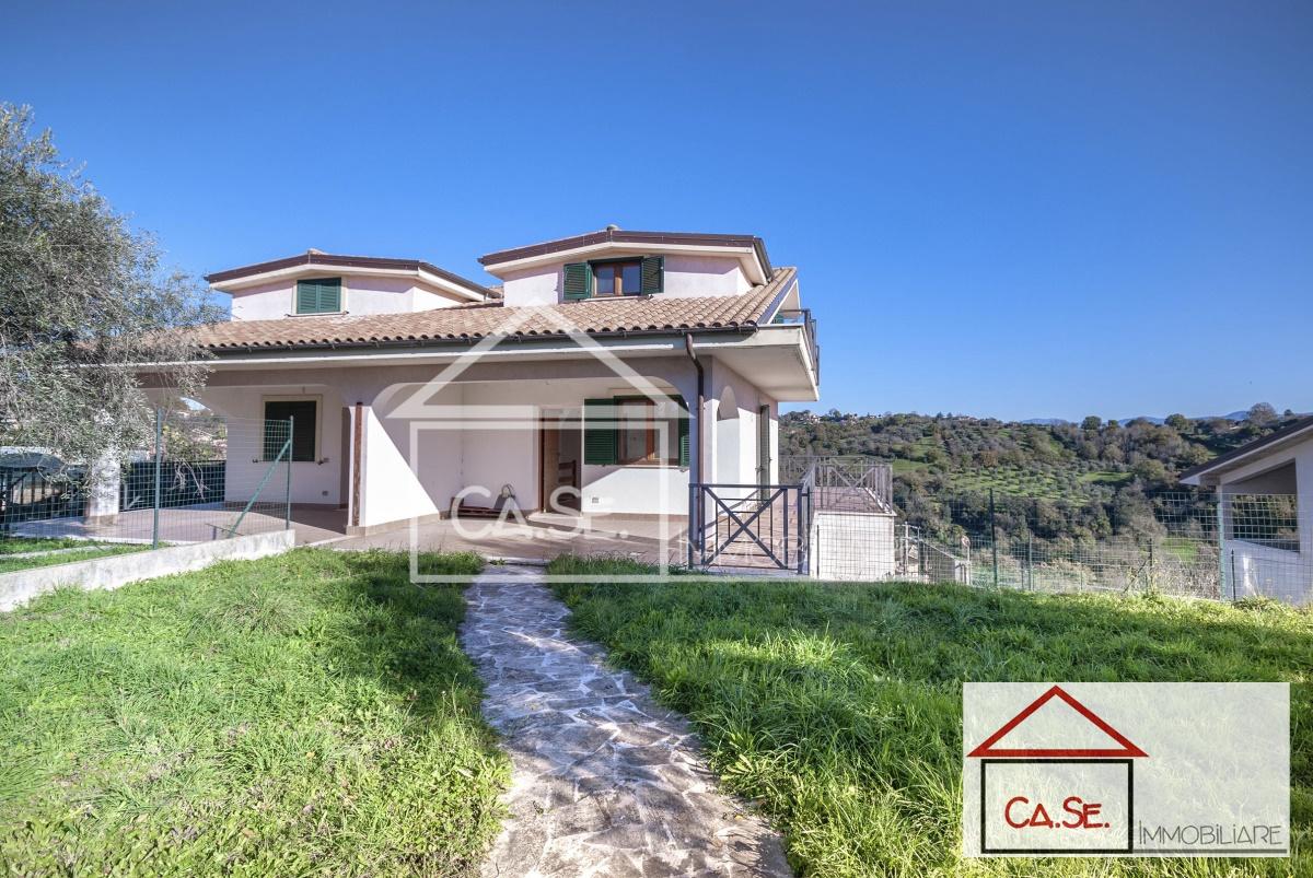 Soluzione Semindipendente in vendita a Riano, 5 locali, prezzo € 240.000 | CambioCasa.it