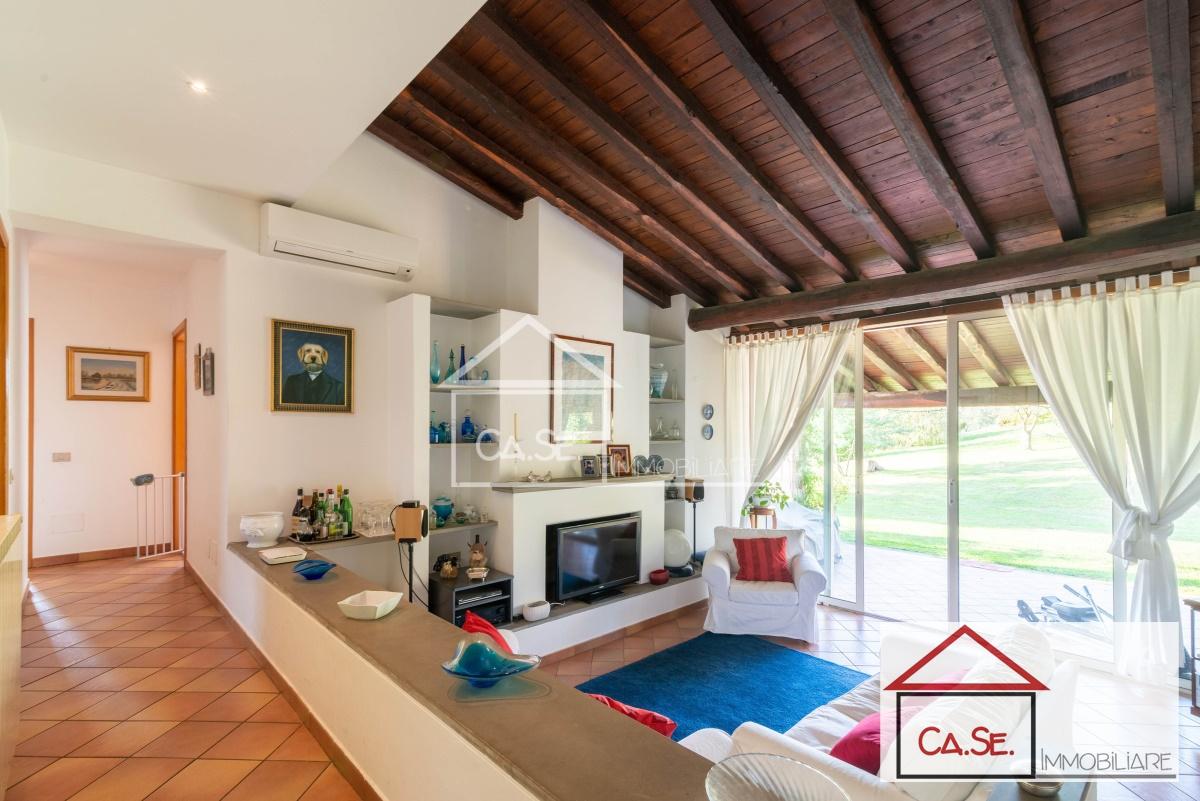 Villa in vendita a Sacrofano, 7 locali, prezzo € 490.000   CambioCasa.it