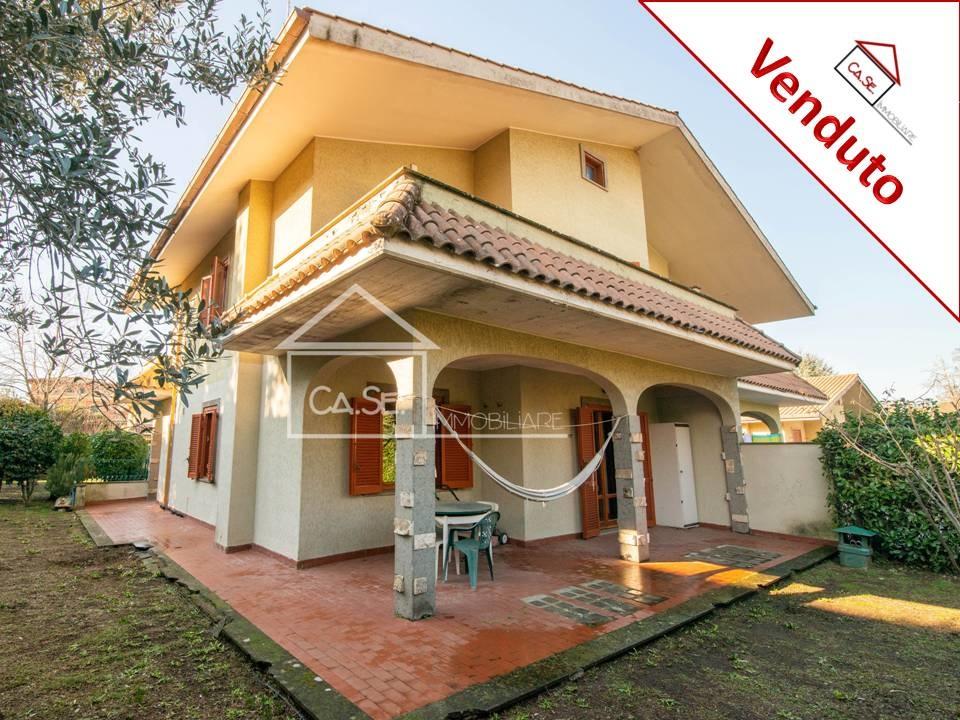 Villa in vendita a Grottaferrata, 7 locali, prezzo € 430.000   CambioCasa.it