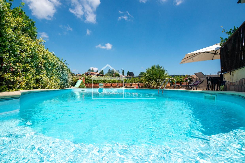 Villa in vendita a Rignano Flaminio, 5 locali, prezzo € 284.000 | CambioCasa.it